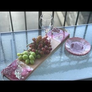 Epoxy resin wood cheese serving board